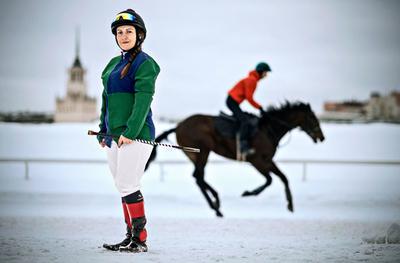 آناستاسیا زادیران، اسب سوار